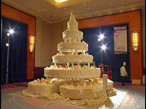 Свадебный торт. Заказать свадебный торт в саратове