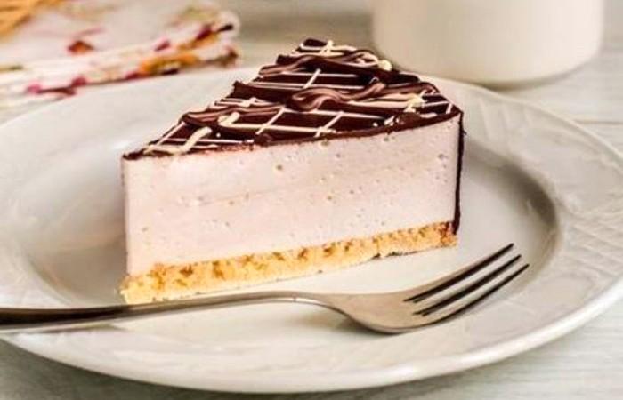 Торт Птичье молоко. История рецепта изготовления. Заказать торт в Саратове