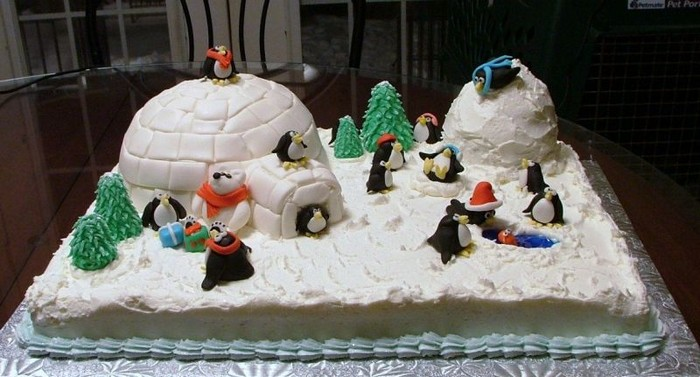 Новогодний торт с героями мультиков. Заказать торт с доставкой в Саратове