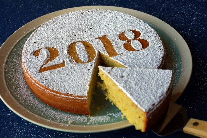 Торты в Саратове на Новый год. Выбрать начинку для торта. Доставка тортов