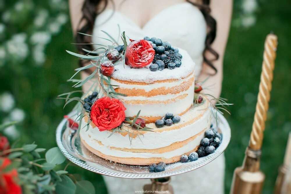 Заказать многоярусный свадебный торт в Саратове